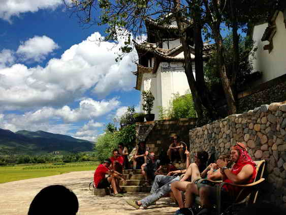 Students-resting-at-Shaxi-Old-Theatre-Inn-Yunnan-China